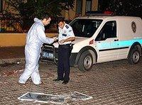 Turkish police officers investigate the crime scene in Marmaris (photo: AP)