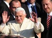 Pope Benedict XVI. and Turkey Prime Minister Erdogan in Istanbul (photo: AP)