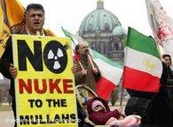 Exiled Iranians in Berlin, Germany demonstrate against Tehran's nuclear ambitions (photo: dpa)