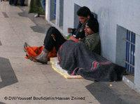 Young beggars in the streets of Algiers (photo: Deutsche Welle)