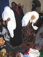 Women during a Gnawa ritual (photo: Andreas Kirchgäßner)