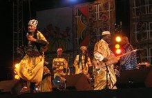 Maâlem Mahmoud Guinea and his band (photo: Daniel Siebert)