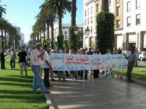 Every day Boulevard Mohammed V. sees protests by hundreds of young people who are unemployed despite their university diploma. More than 30% of university graduates in Morocco are unable to find work (photo: David Siebert)