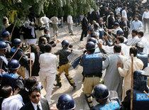 Police and lawyers in Lahore, 5 November 2007 (photo: AP)