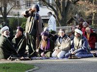German Muslims pray in a park in Freiburg, southern Germany, December 2007 (photo: AP)