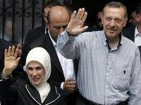 Prime minister Erdogan with his wife Emine Erdogan (photo: AP)