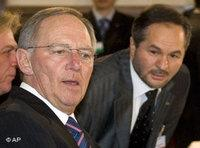 Federal Interior Minister Wolfgang Schäuble (left) and Bekir Alboga (photo: AP)