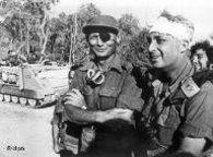 General Moshe Dayan and Ariel Sharon (photo: dpa)
