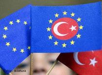 Turkish and EU flags (photo: dpa)