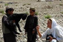 Ursula Meissner in Afghanistan (photo: Bucher Verlag)