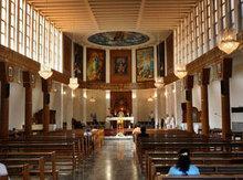 Empty church in Baghdad (photo: AP)