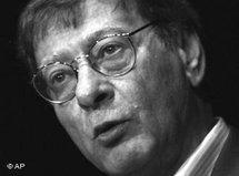 Mahmoud Darwish (photo: AP)