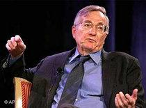 Investigative reporter Seymour Hersh (photo: AP)