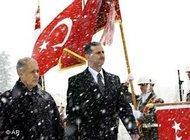 Syria's President Assad with his Turkish counterpart Ahmet Necdet Sezer (photo: AP)