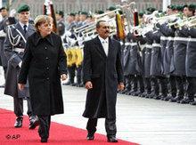 Yemen's president Ali Abdallah Saleh with Angela Merkel (photo: AP)