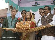 Sheikh Hasina during a rally in Bangladesh (photo: DW)