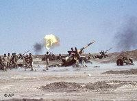 Iraqi troops near the outskirts of Khorramshahr, 1980 (photo AP)