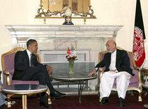 Barack Obama visiting Hamid Karsai in July 2008 (photo: AP)