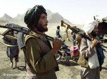 Taliban fighters close to Kandahar (photo: AP)