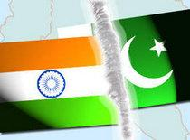 Montage of the flags of India and Pakistan (photo: DW)