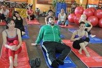 Recep Ivedik on a yoga mat (source: Kinostar)