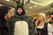 Recep Ivedik wearing a bunny costume (source: Kinostar)