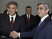 Turkish President Abdullah Gul and Armenian President Serge Sarkisian (photo: AP)