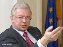 Roland Koch (photo: AP)