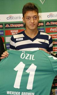 Mesut Özil (photo: AP)