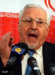 Ebrahim Yazdi (photo: AP)