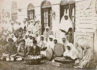 Members of Mozaffar ad-Din Shah's harem, photo by Antoine-Khan Sevruguin (photo: private copyright, Emanuel Sevrugian/Museum der Weltkulturen)