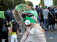 Pro-Mousavi demonstrator in Tehran (photo: AP)