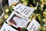 Roses and expressions of sympathy for Marwa El Sherbini (photo: dpa)