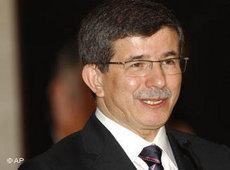 Ahmet Davutoglu (photo: AP)