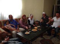 A Turkish family in Germany (photo: DW/Cizmecioglu)