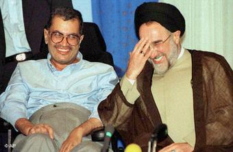 Said Hajjarian and Mohammad Khatami (photo: AP)