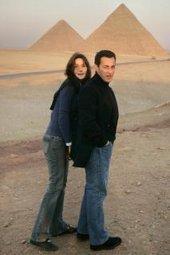 Nicholas Sarkozy and Carla Bruni in Egypt (photo: AP)