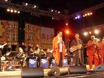 Cheb Khaled, Hamid El Kasri and the WDR Big Band (photo: Andreas Kirchgäßner)