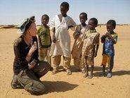 Mia Farrow in Darfur (photo: www.stopgenocidenow.org)