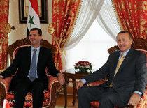 Syrian President Bashar Assad, left, meets with Turkish Prime Minister Recep Tayyip Erdogan in Istanbul, Turkey, Wednesday, 16 September 2009 (photo: AP)