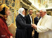Pope Benedict XVI with representatives of the Muslim delegation at the Catholic-Islamic Forum at the Vatican, 6 November (photo: AP)