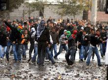 Violent demonstration in the Kurdish city of Diyarbakir (photo: dpa)