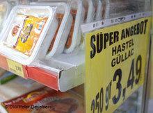 Sales in a Turkish Supermarket (photo: DW)