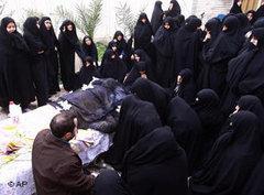 Hossein Ali Montazeris funeral (photo: AP)