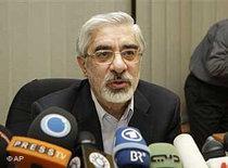Mir Hossein Mousavi (photo: AP)