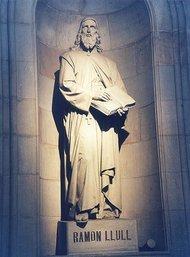 Raimundus Lullus statue at Barcelona University (photo: Wikipedia)
