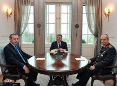 Meeting of Prime Minister Erdogan, General Basbug and President Gül (photo: AP)