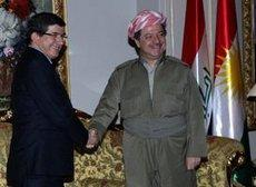Ahmet Davutoglu and Massoud Barzani (photo: AP)