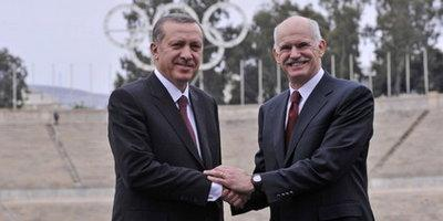 Papandreou, Erdogan, shaking hands (photo: AP)