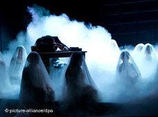 Scene from the opera Neda (photo: dpa)